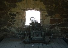 Free Old Cannon In Front Of The Window Royalty Free Stock Images - 5295689