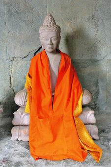 Free Cambodia; Angkor Wat: Seated Buddha Stock Photography - 5296272