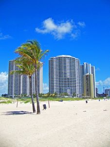 Free Beach Condos Royalty Free Stock Images - 5296709