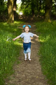 Free Girl In Park Royalty Free Stock Photography - 5297867
