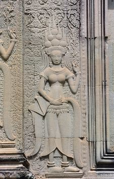 Free Cambodia; Angkor Wat; Bas Reliefs: Apsara Royalty Free Stock Photo - 5299025