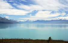 Free Blue Sky Over Lake Tekapo Stock Photos - 5299843