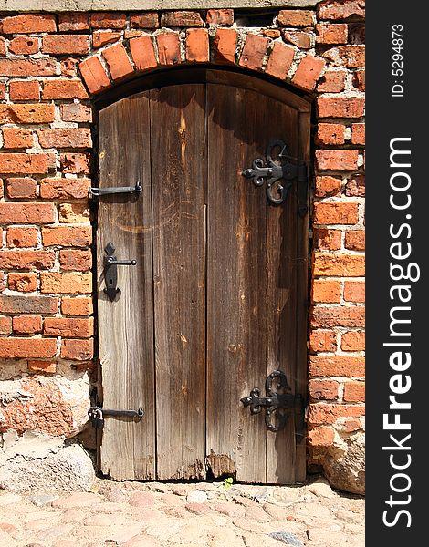 An old, rotten door