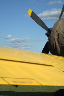 Free Yellow Plane Royalty Free Stock Photography - 52950147