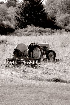 Free Old Tractor 2. Royalty Free Stock Photography - 531867