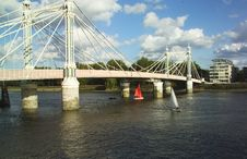 Free Sailing Under Albert Bridge In London Stock Photos - 535623