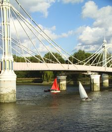 Free Sailing Boats On The Thames Royalty Free Stock Images - 535789