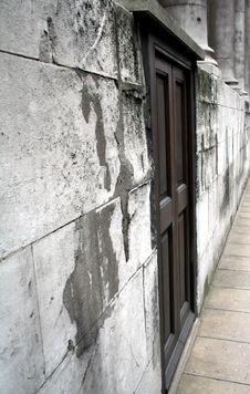 Free Forgotten Door Stock Image - 535881