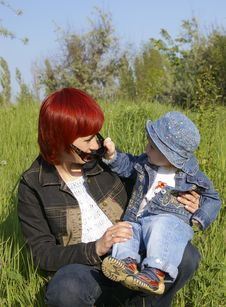 Free Girl And Her Mum Royalty Free Stock Photography - 5300627