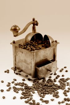 Free Antiquity Coffee Machine Royalty Free Stock Photos - 5301028