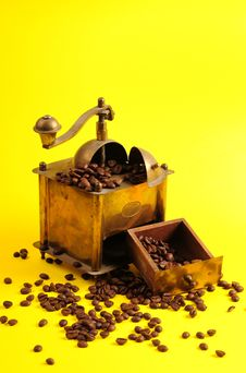 Free Antiquity Coffee Machine Stock Image - 5301051