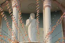 Free Buddha At Maha Vihara Temple Stock Photography - 5302272