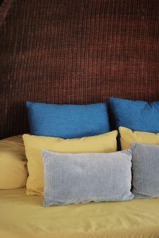 Free Cushions Royalty Free Stock Photos - 5302848