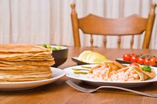 Free Pancakes With Shrimps Stock Image - 5303001