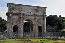 Free Archway In Rome Stock Image - 5305011