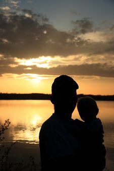 Free Father And Daughter At Sunset Royalty Free Stock Photography - 5310747