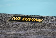 Free  No Diving -Sign Royalty Free Stock Images - 5315639