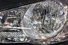Free Modern Car Head Lamp Royalty Free Stock Photos - 5315888