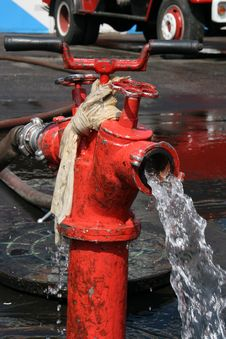 Free Fire Hydrant Stock Image - 5316341