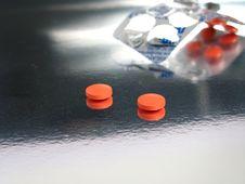 Free Packed Orange Medicines Stock Images - 5317354