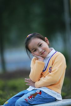 Free Smiling  Girl Royalty Free Stock Photography - 5319827