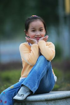 Free Smiling  Girl Stock Photos - 5319843