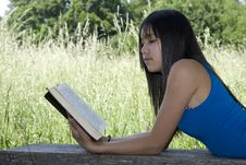 Free Teenager Read A Book Stock Photo - 5321740