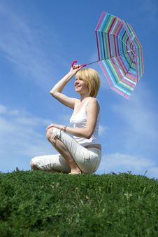 Free Yong Charming Girl With Umbrella Royalty Free Stock Images - 5322659