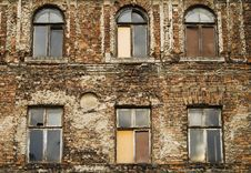 Free Row Of Windows Stock Photography - 5326002