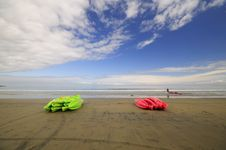 Free Kayaks On The Beach Royalty Free Stock Photo - 5327145