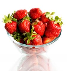 Free Red Berries In A Cup Stock Photo - 5328350
