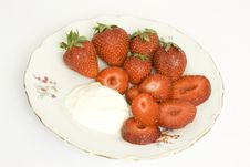 Free Strawberry With Sour Cream Stock Photos - 5328623