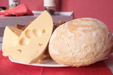 Free Cheese And Bread On A Plate Royalty Free Stock Photography - 5329897