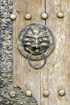 Free Knocker On The Ancient Door. Stock Image - 5334871