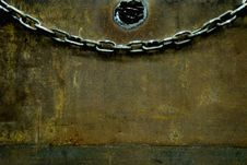 Free Chain On A Box Royalty Free Stock Images - 5335079