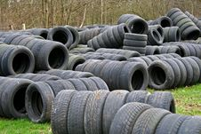 Free Old Tyres Used As Racing Tire Walls Royalty Free Stock Images - 5335699