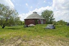Free O.P. Utter Round Barn Stock Image - 5336111