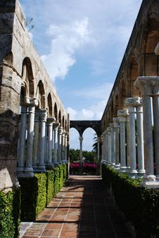Free Columns Of Cloister Royalty Free Stock Photo - 5336885