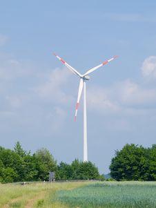 Free Windmill. Alternative Power Source Royalty Free Stock Photos - 5337148