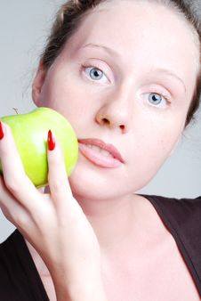 Free Girl With Apple Royalty Free Stock Images - 5337329