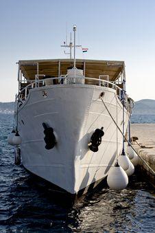 Free White Tourist Ship Royalty Free Stock Images - 5339059