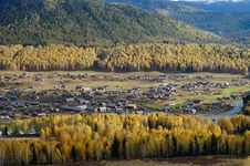 Free Village In Autumn Royalty Free Stock Image - 5339536