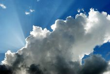 Free Cloud And Sunbeams Royalty Free Stock Photo - 5341335