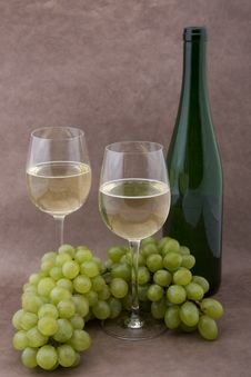 Free White Wine With Bottle, Glasses And Grapes Stock Photos - 5341773