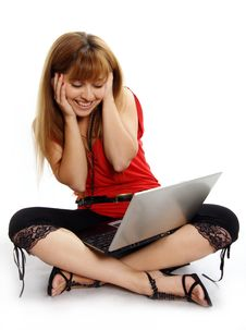 Free Pretty Women Relaxing And Using Laptop Stock Photography - 5343532