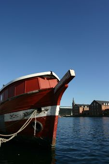 Free Ship On The Copenhagen Harbor Royalty Free Stock Photos - 5344818