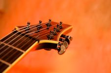Free Close-up Of The Top Of A Black Electric Guitar Royalty Free Stock Images - 5345629