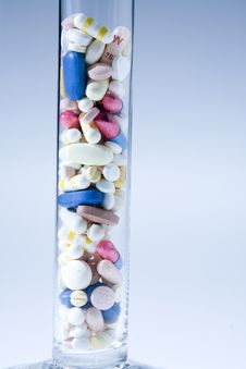 Free Pills Royalty Free Stock Images - 5350539
