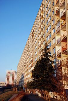 Free Apartment Building 2 Royalty Free Stock Photos - 5350698