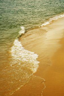 Free Beach Wave Stock Image - 5351901